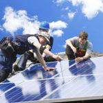 solarpanele werden montiert