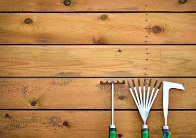 Wetterfestes Holz für den Garten - Holzarten und Eigenschaften