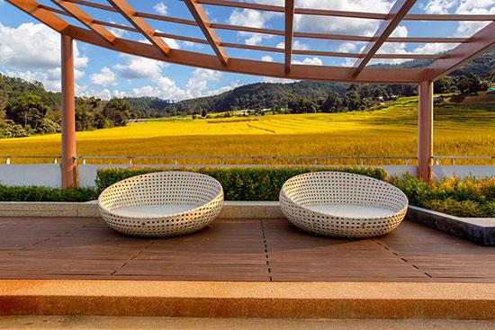 Terrassenüberdachung aus Holz und Alu – unser großer Ratgeber